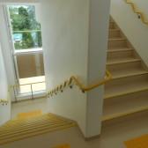 階段室クネット3